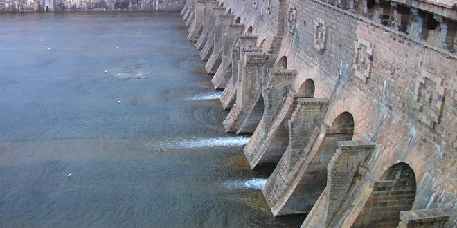 The Krishna Raja Sagara dam beside the Brindavan gardens in Karnataka, India.